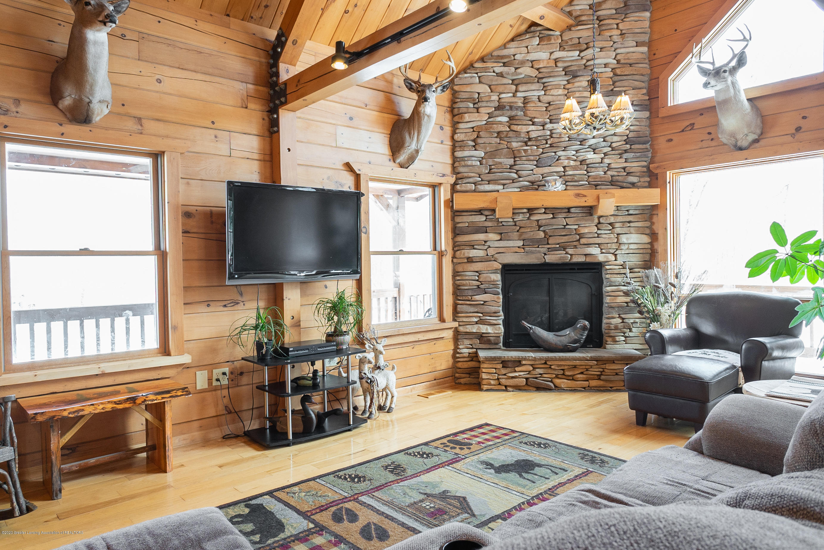 6208 Halsey Rd - Living Room - 14