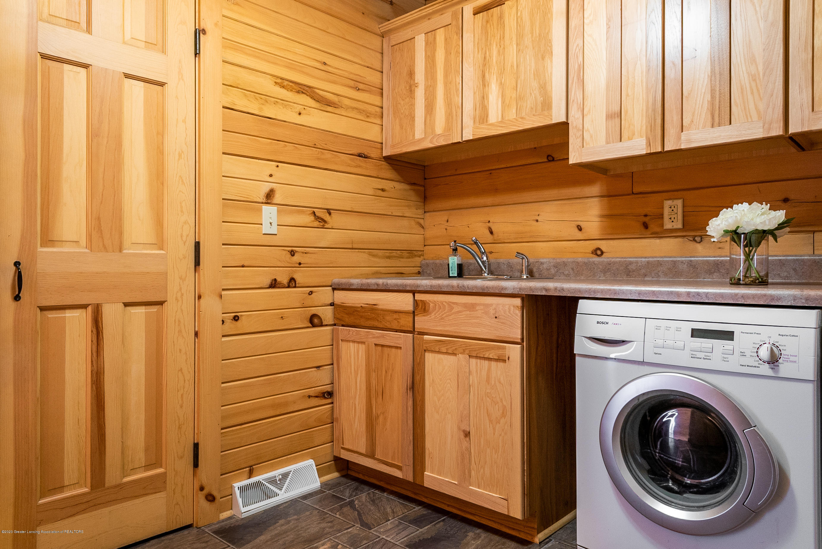 6208 Halsey Rd - Laundry Room - 21