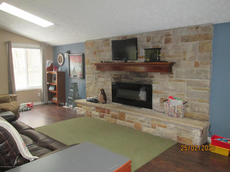 3597 Harper Rd - Living Room - 3