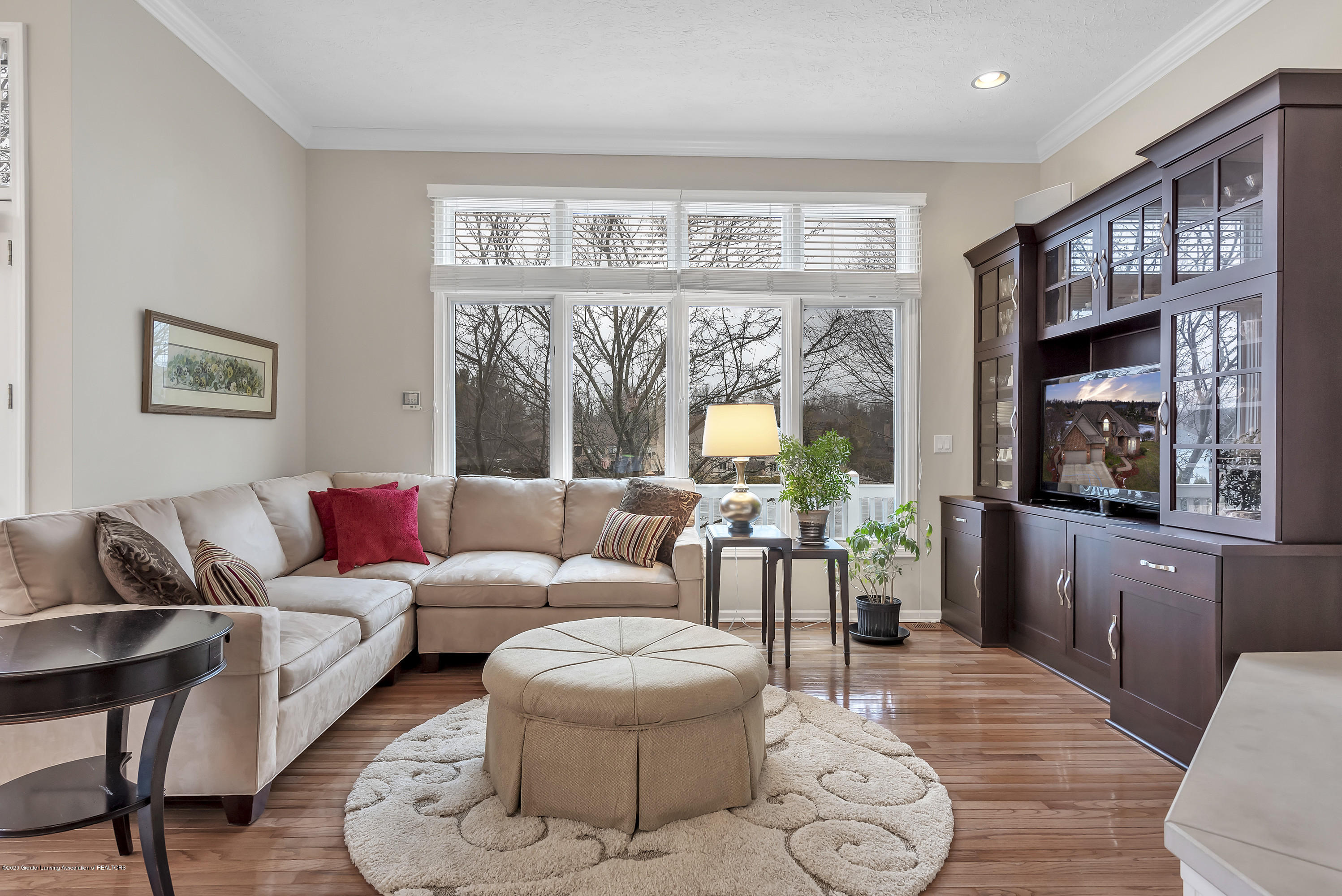 402 Shoreline Dr - Family Room - 15