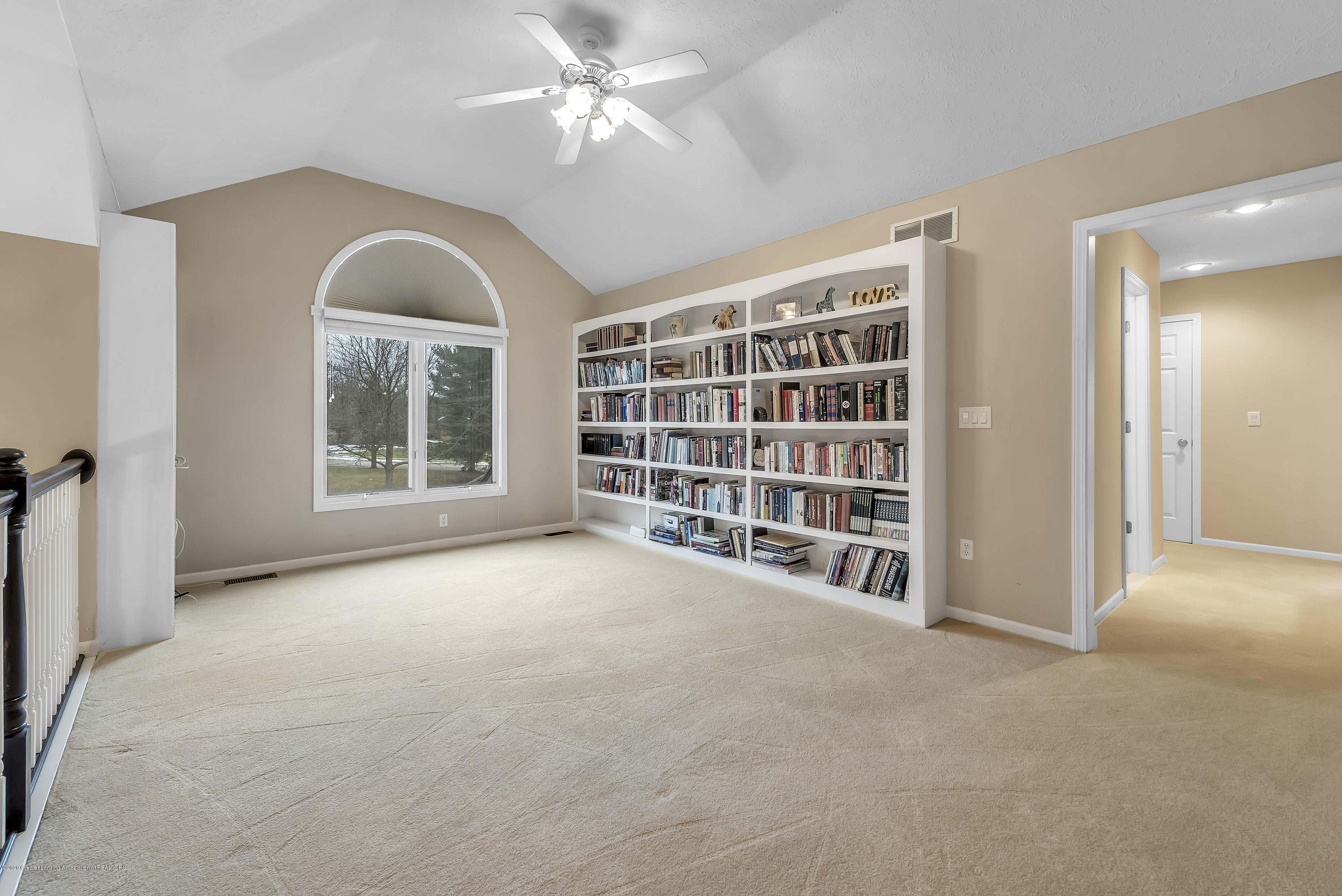 402 Shoreline Dr - Loft/Library - 30