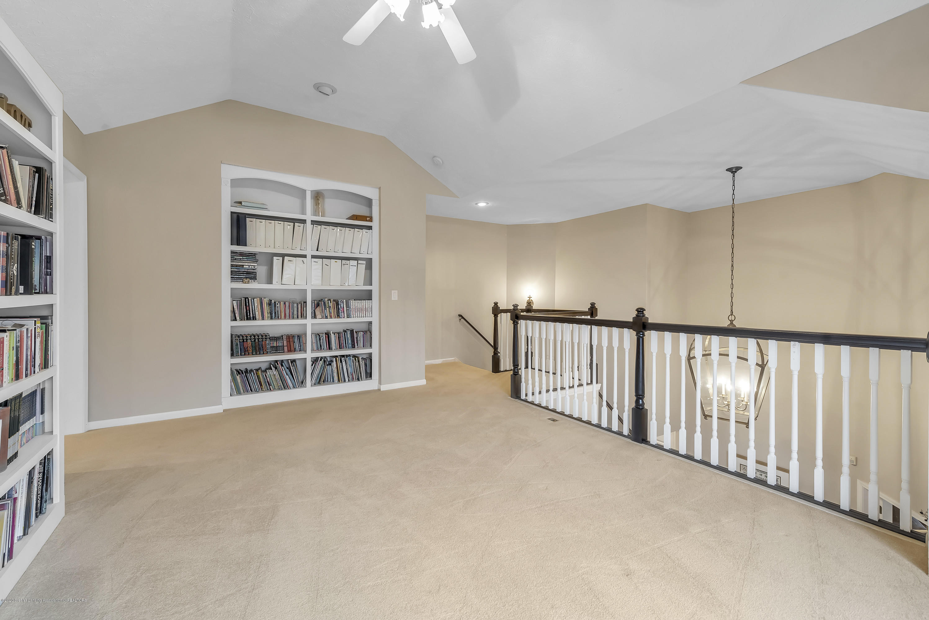 402 Shoreline Dr - Loft/Library - 31