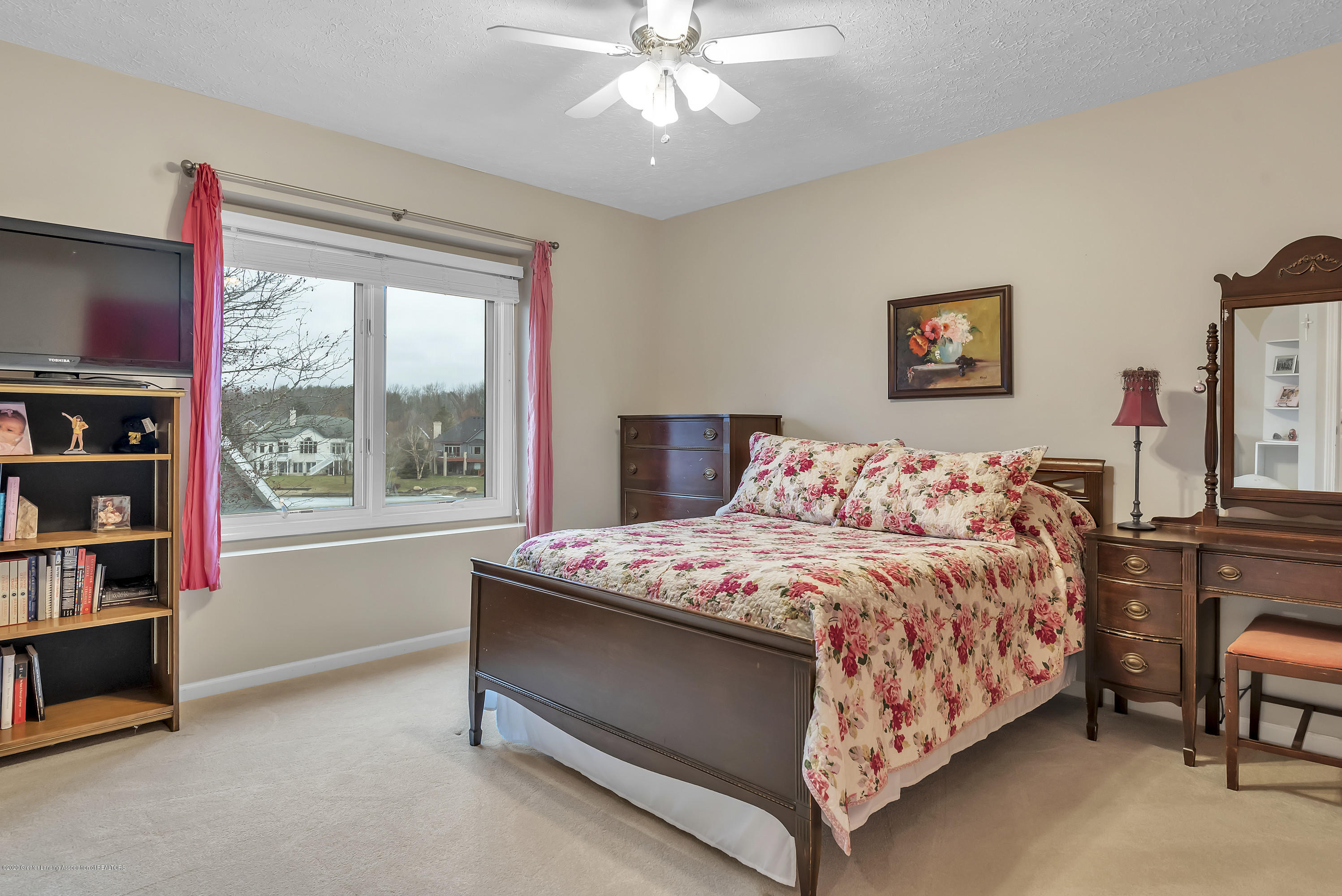 402 Shoreline Dr - Bedroom 3 - 33