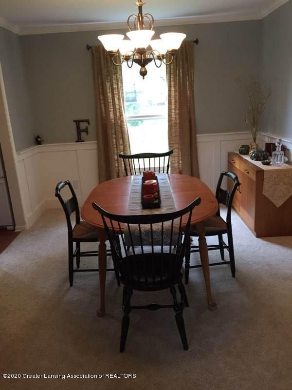 930 Meadowview Ln - Dining Room - 5