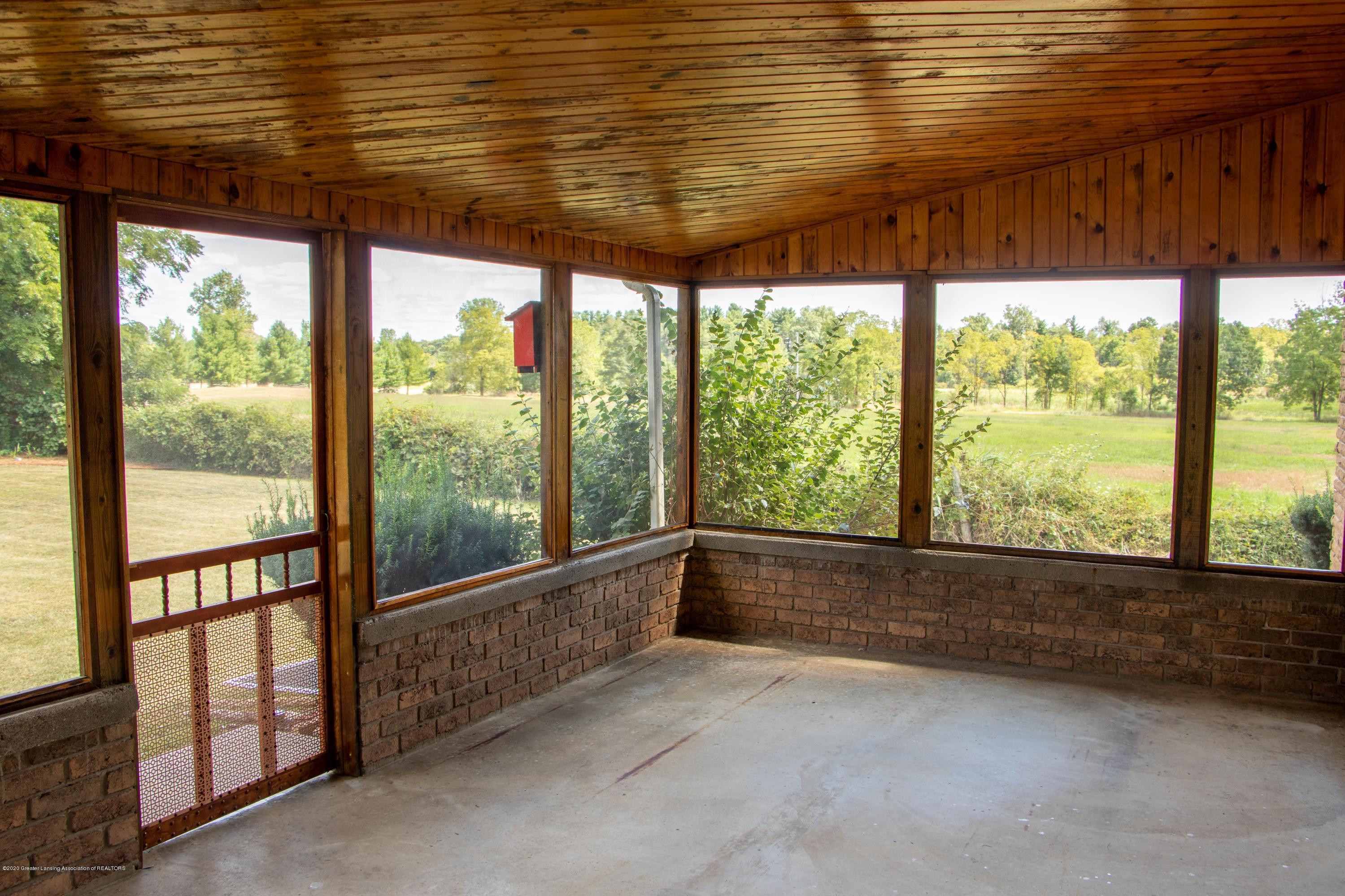5655 E Pratt Rd - back porch-3 - 38