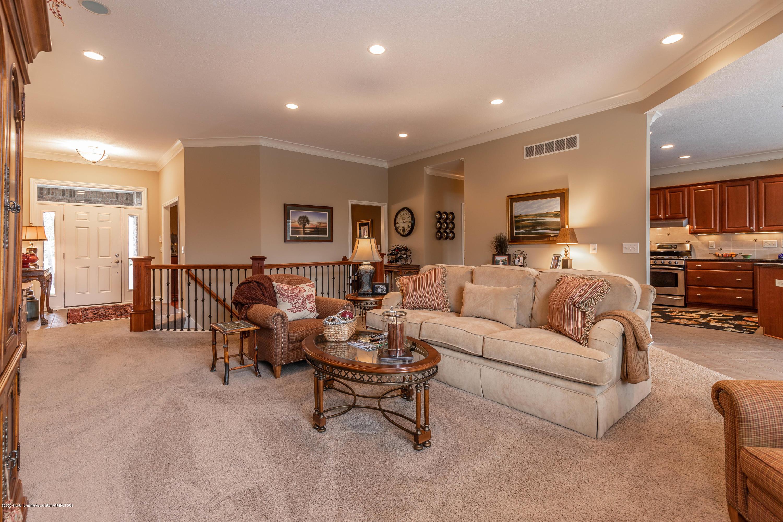 13239 Blaisdell Dr - Living Room - 19