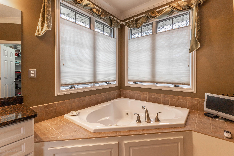 13239 Blaisdell Dr - Master Bathroom - 31