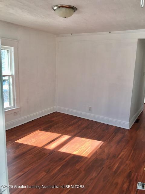 1422 Ada St - ada livingroom - 2