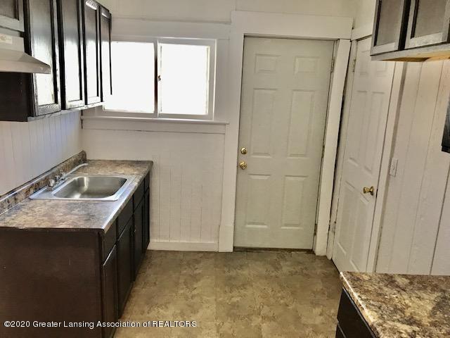 1422 Ada St - ada kitchen - 3