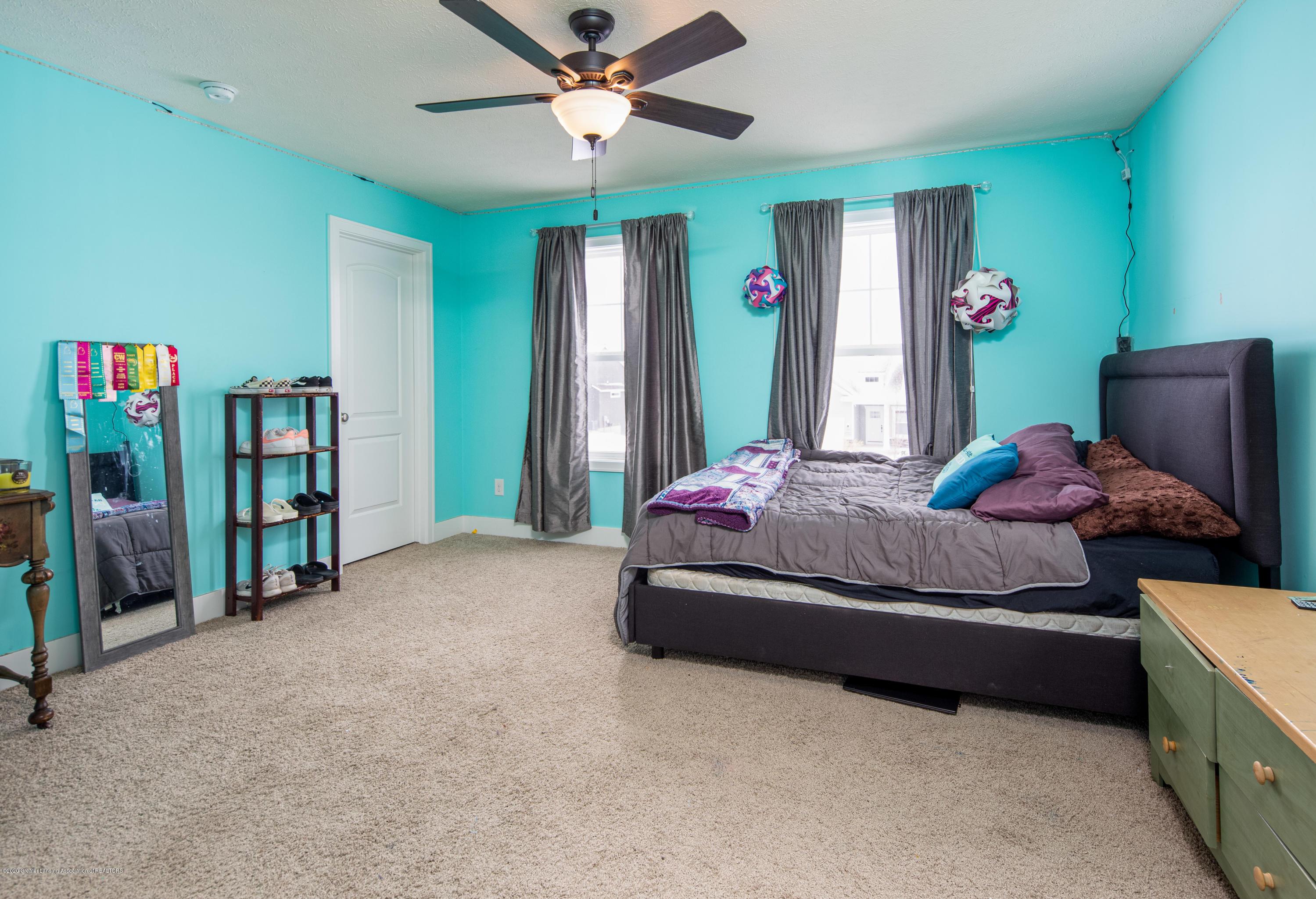 10596 Saddlebrook Dr - Bedroom 2 - 22