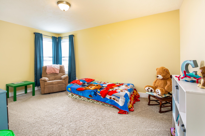 10596 Saddlebrook Dr - Bedroom 3 - 23
