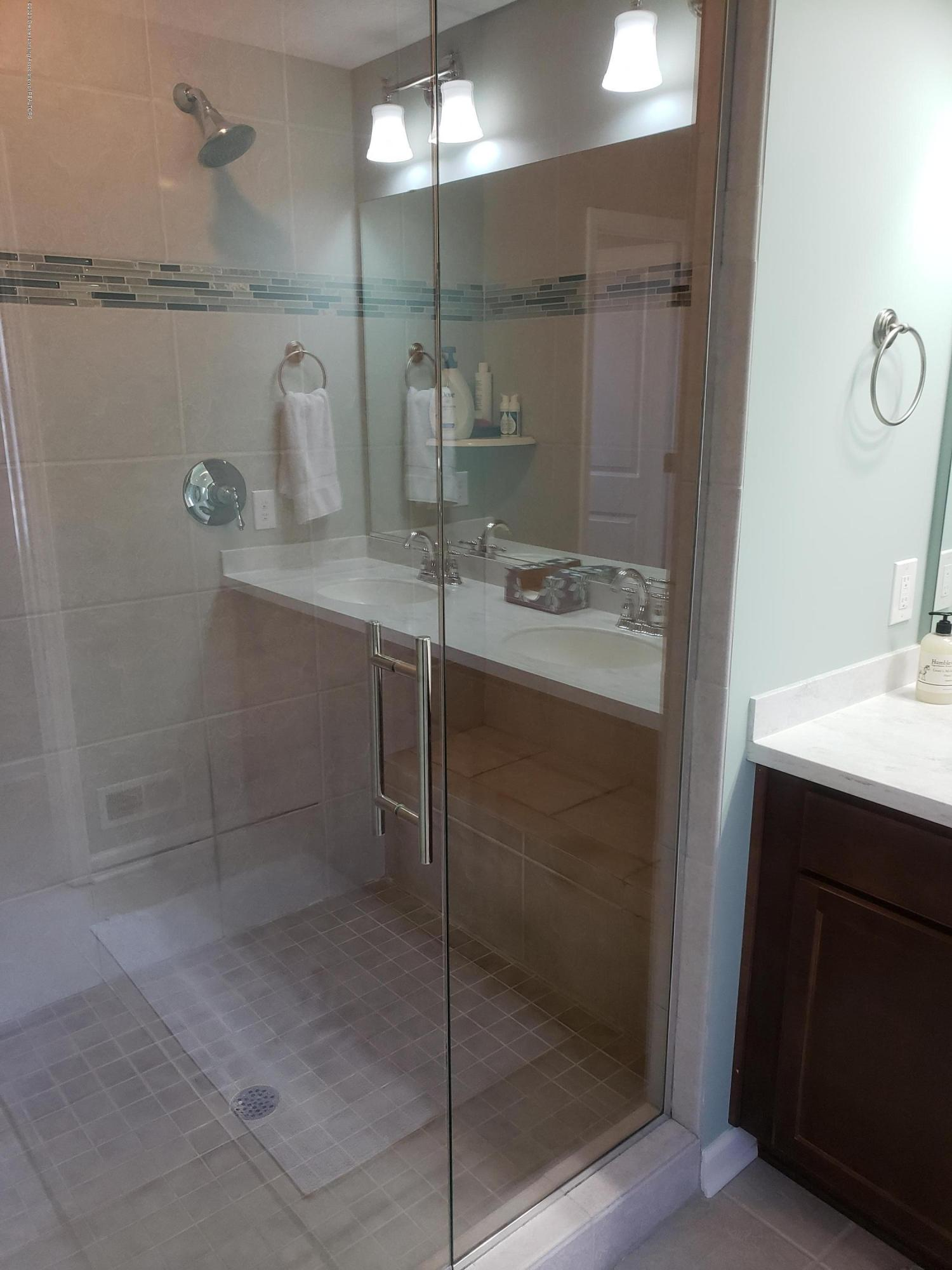 2753 Kittansett Dr - Master Shower - 44