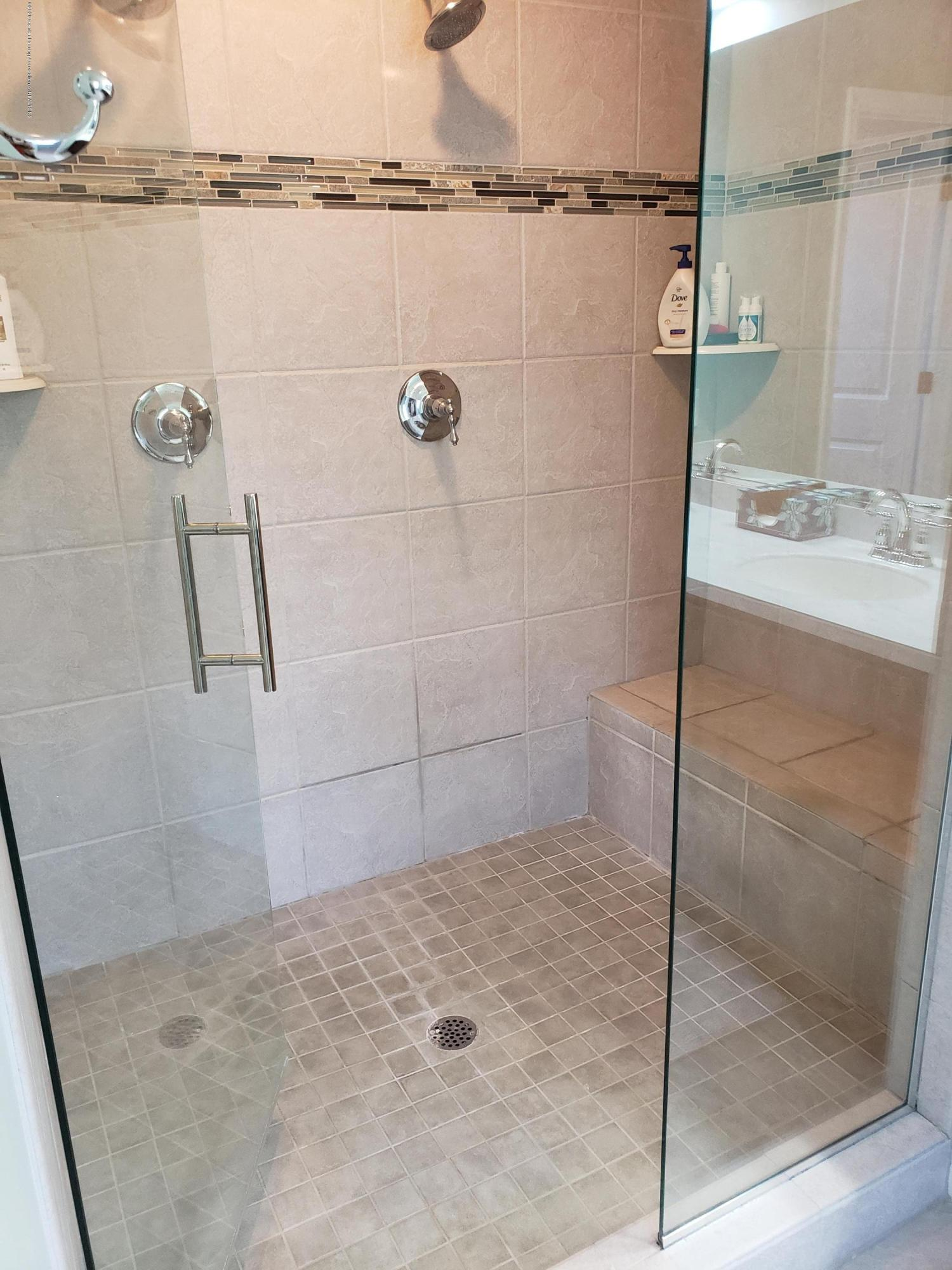 2753 Kittansett Dr - Master Shower - 42