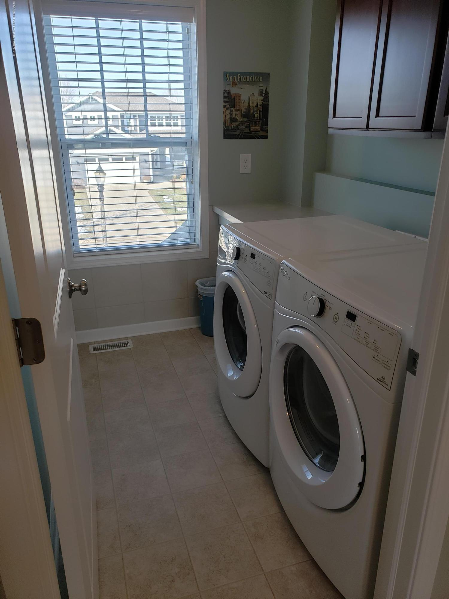 2753 Kittansett Dr - 2nd Floor Laundry - 52