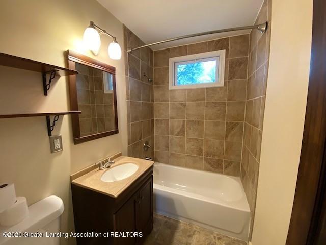 1216 George St - Bathroom - 14