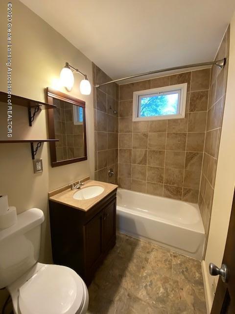 1216 George St - Bathroom - 13