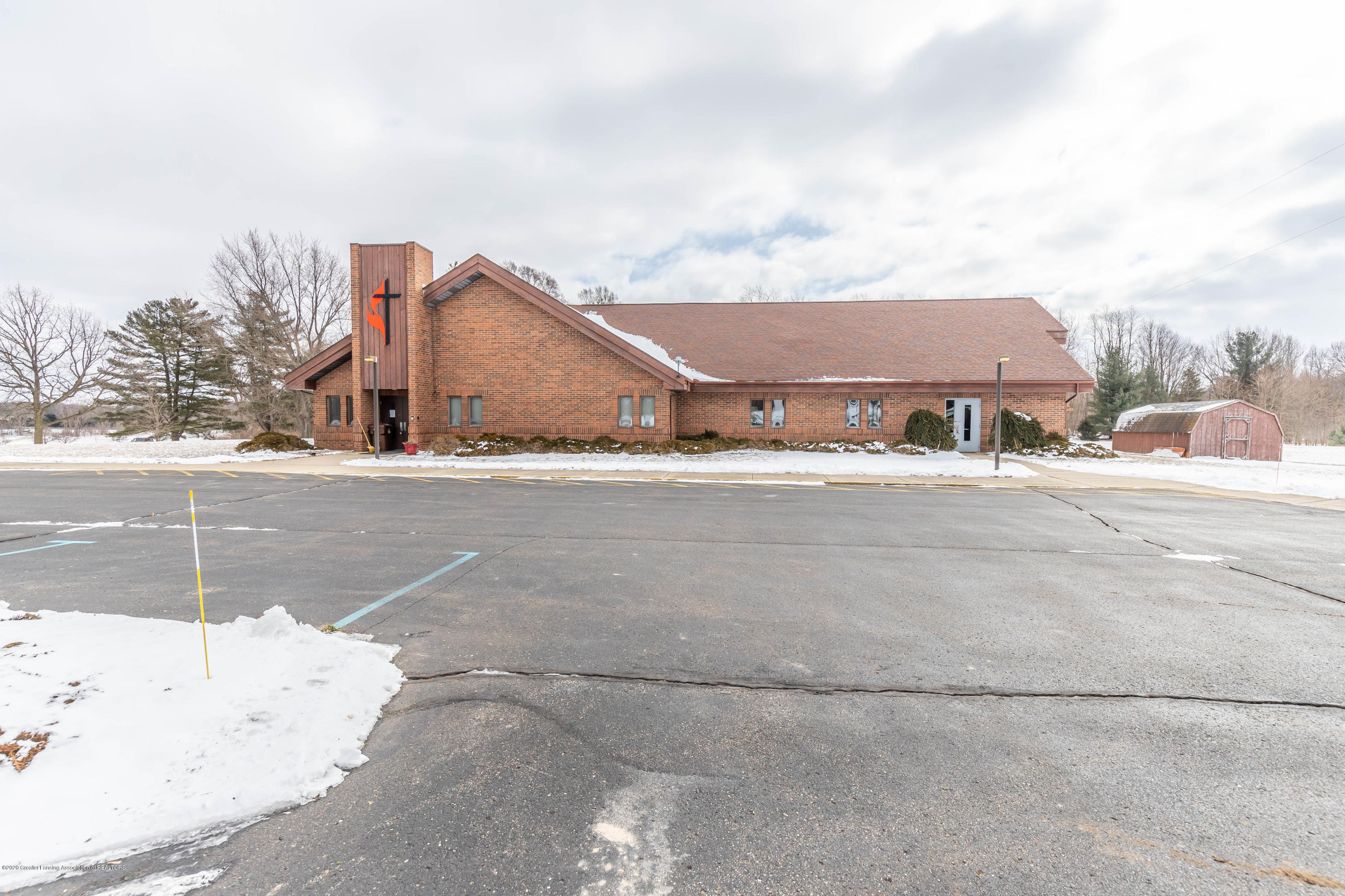 2307 W Maple Rapids Rd - stjohnschurch1 - 3