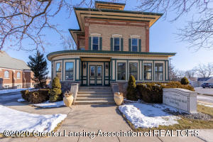207 E Jefferson St, Grand Ledge, MI 48837