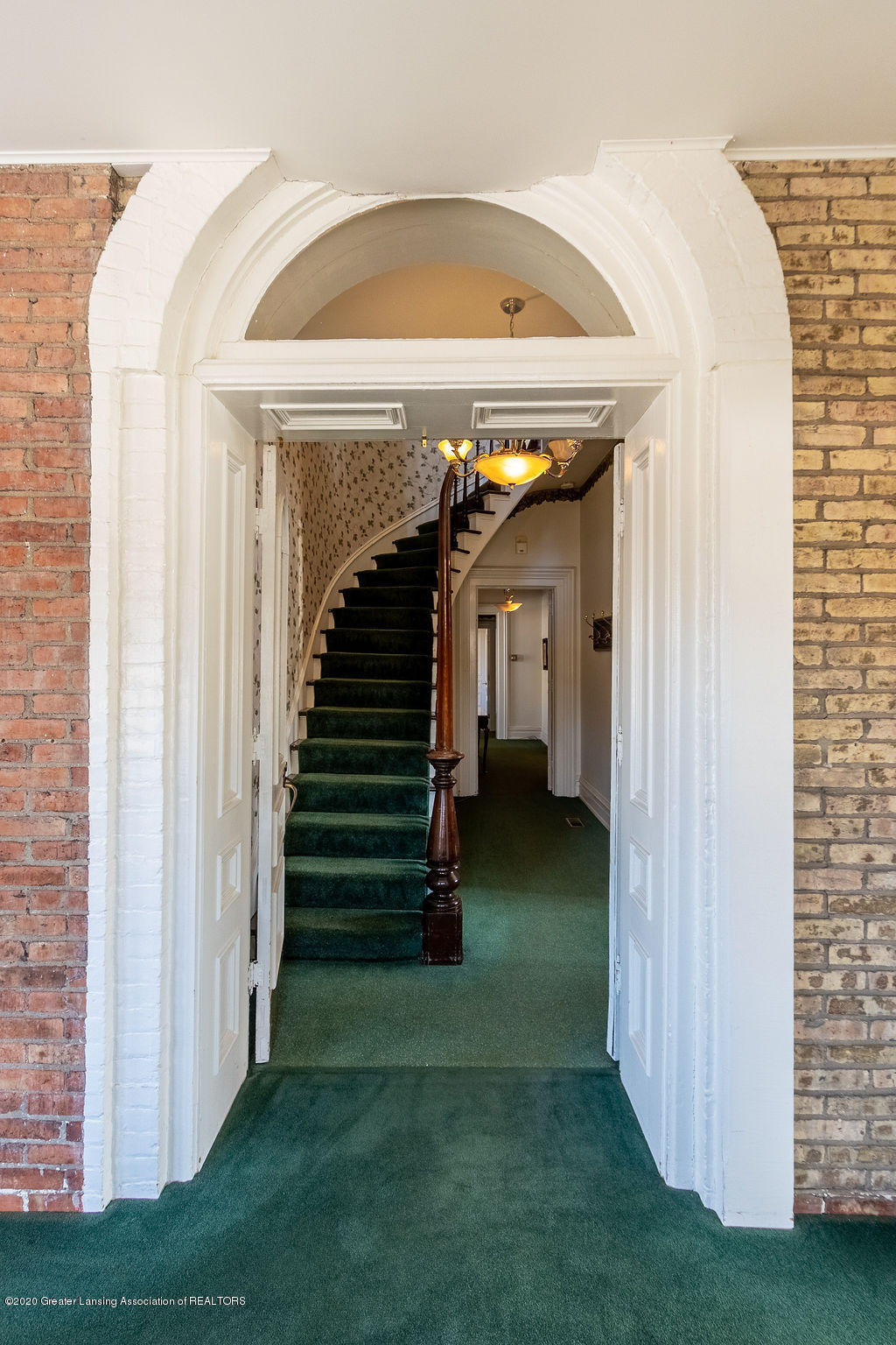 207 Jefferson - 207 Jefferson  Front Entry - 9