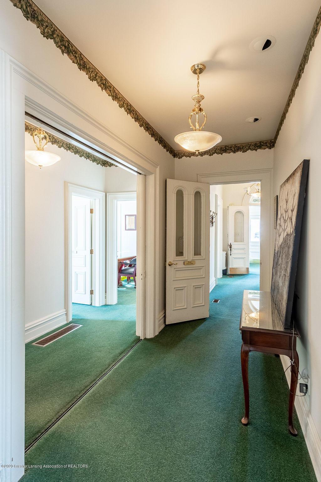 207 E Jefferson St - 207 Jefferson  Hallway (5) - 18
