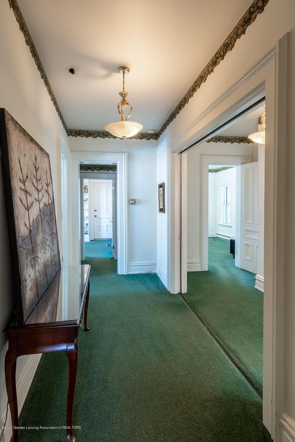 207 E Jefferson St - 207 Jefferson Hallway - 30