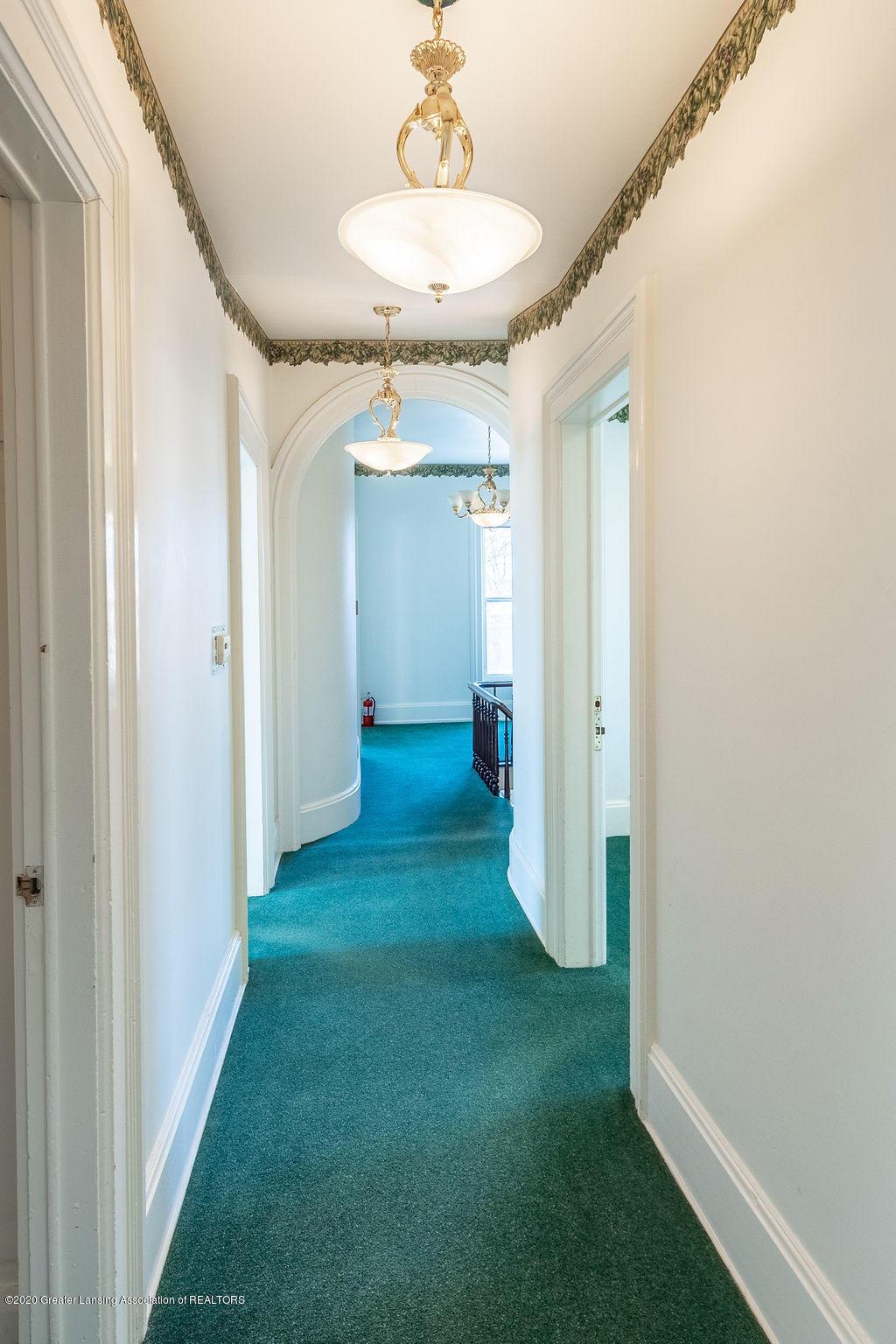 207 E Jefferson St - 207 Jefferson  Hallway (1) - 37