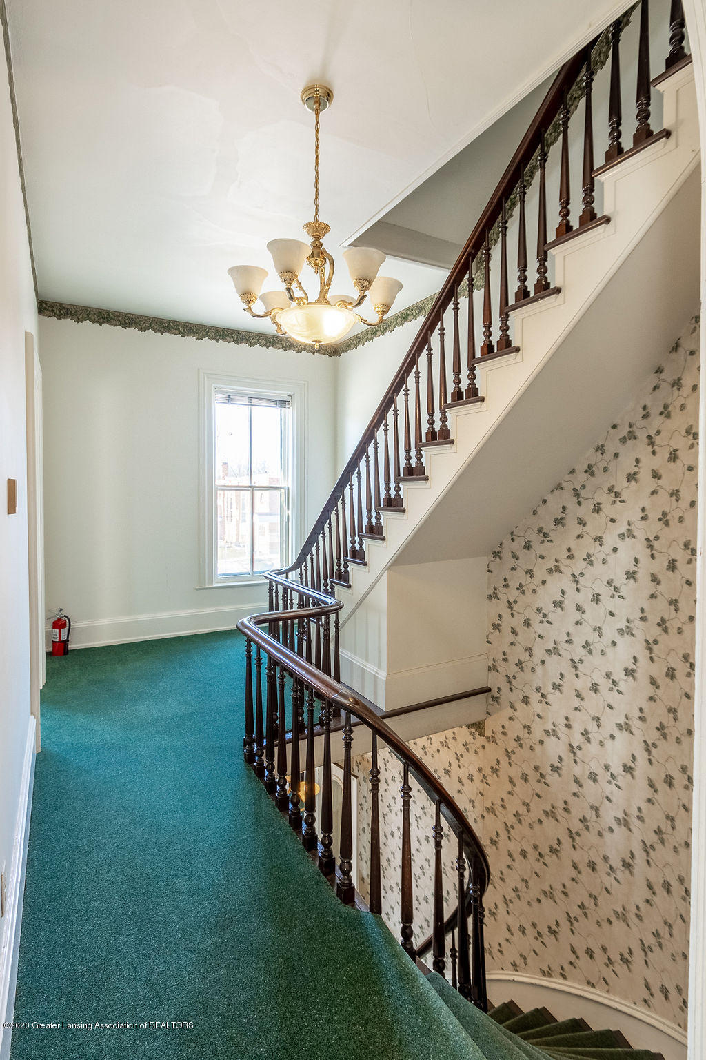 207 Jefferson - 207 Jefferson  Second Floor Staircas - 41