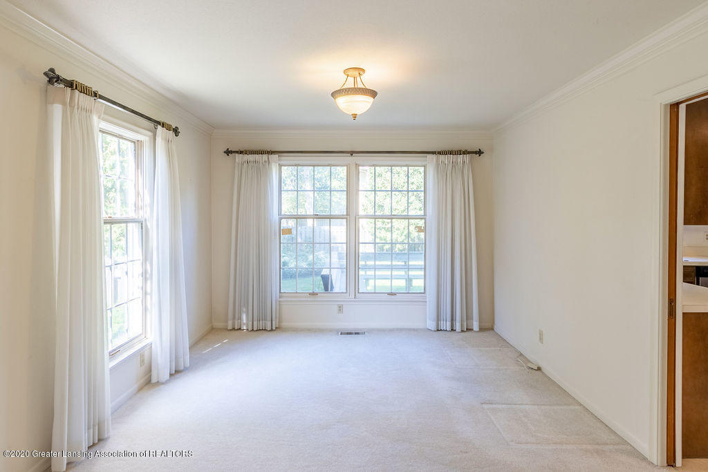 985 Northgate Dr - Formal Dining Room - 6