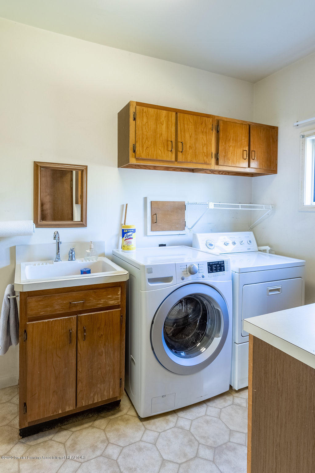 985 Northgate Dr - First Floor Laundry - 15