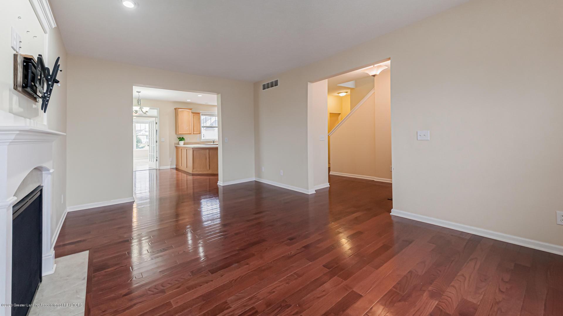 3612 Shearwater Ln - Living Room - 2