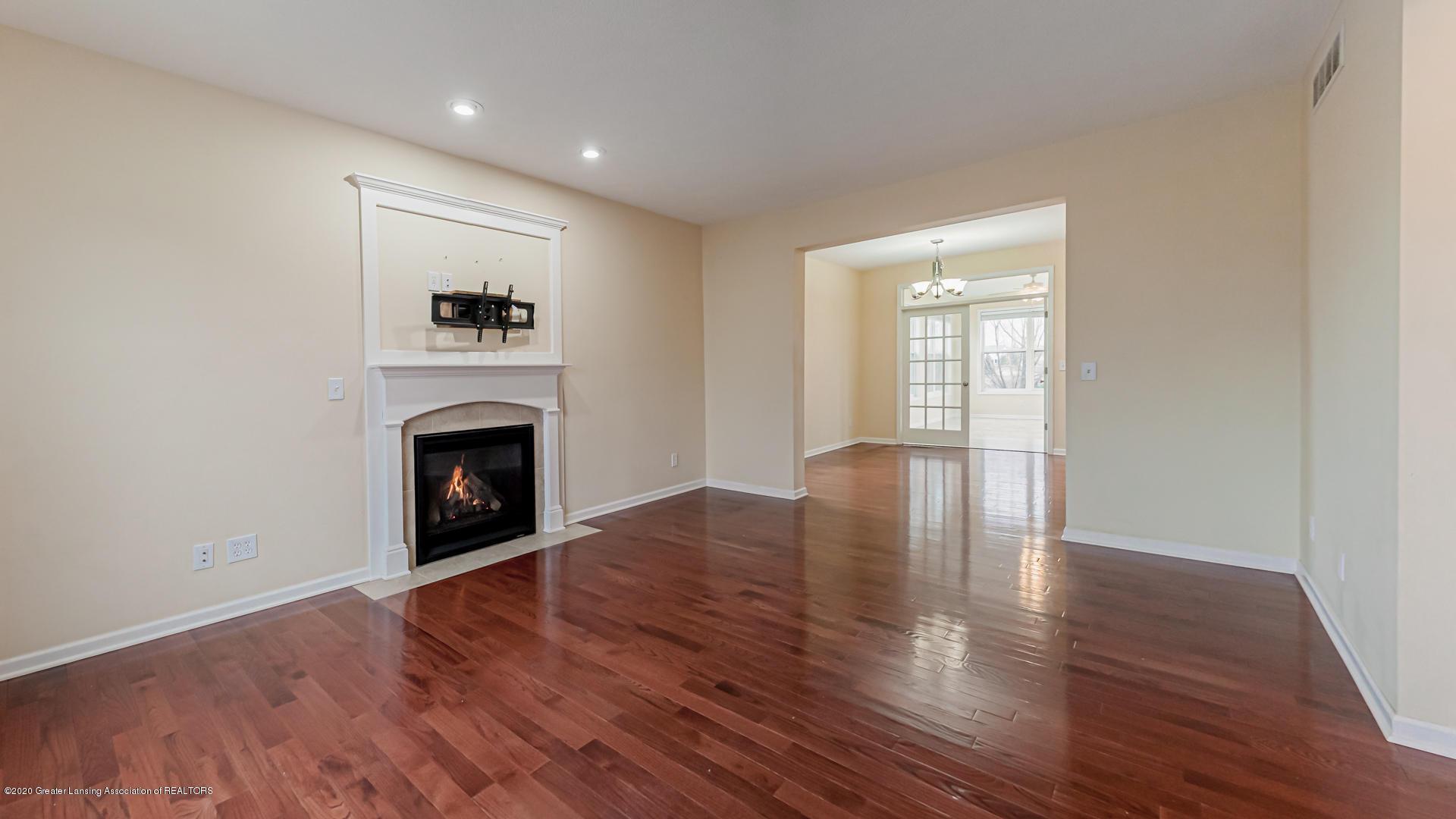 3612 Shearwater Ln - Living Room - 3