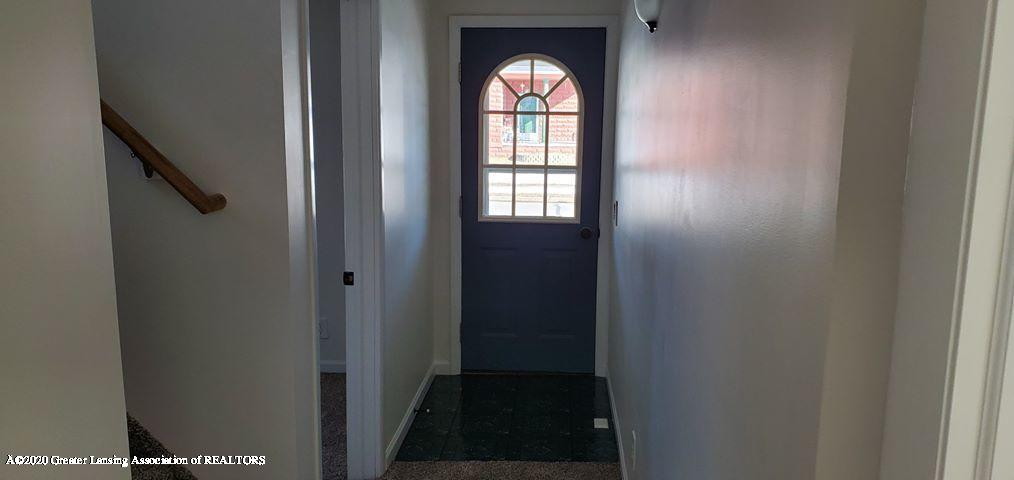 720 Hall St - Entry Way - 3