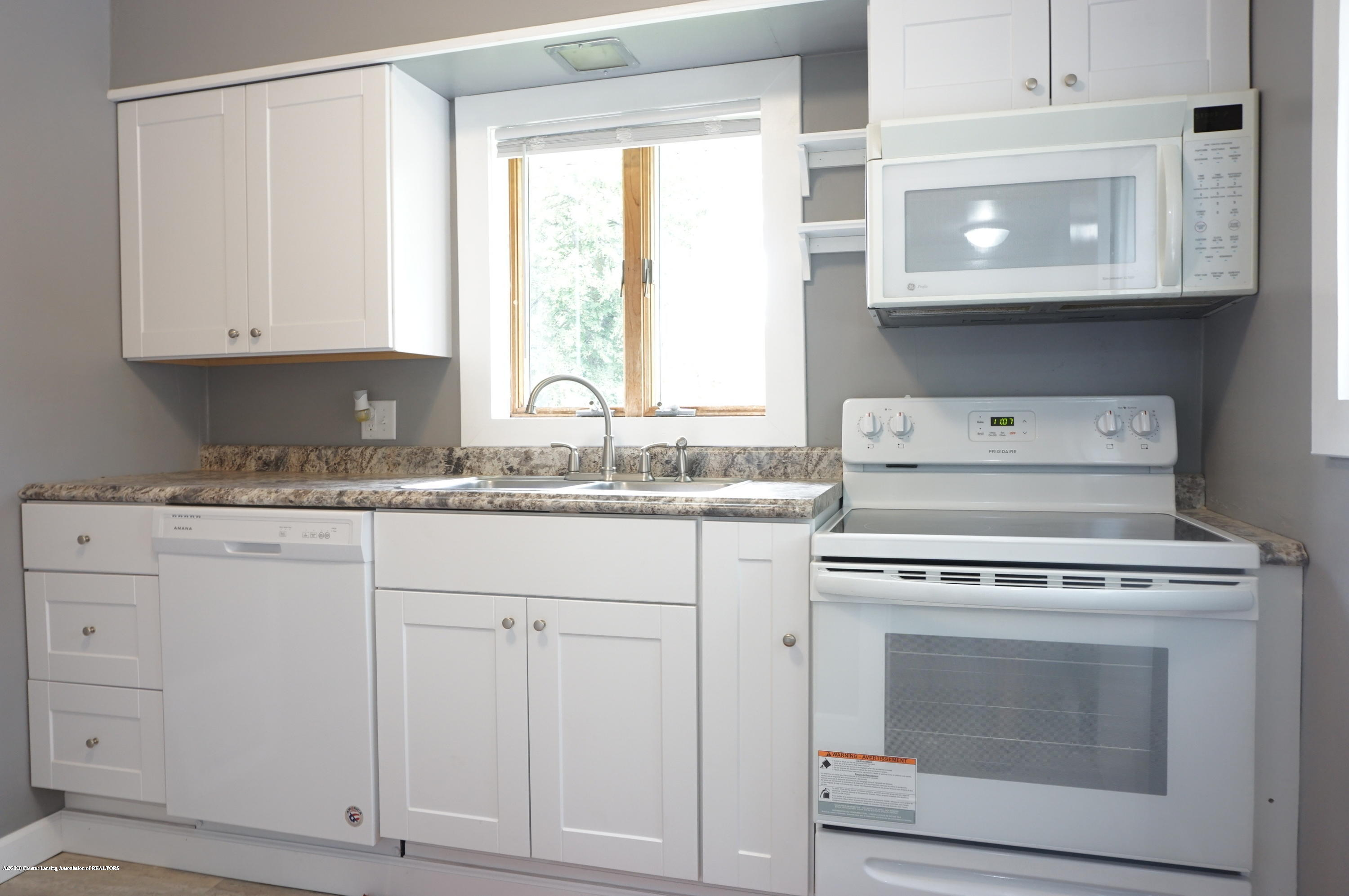 1920 Stirling Ave - Kitchen - 6