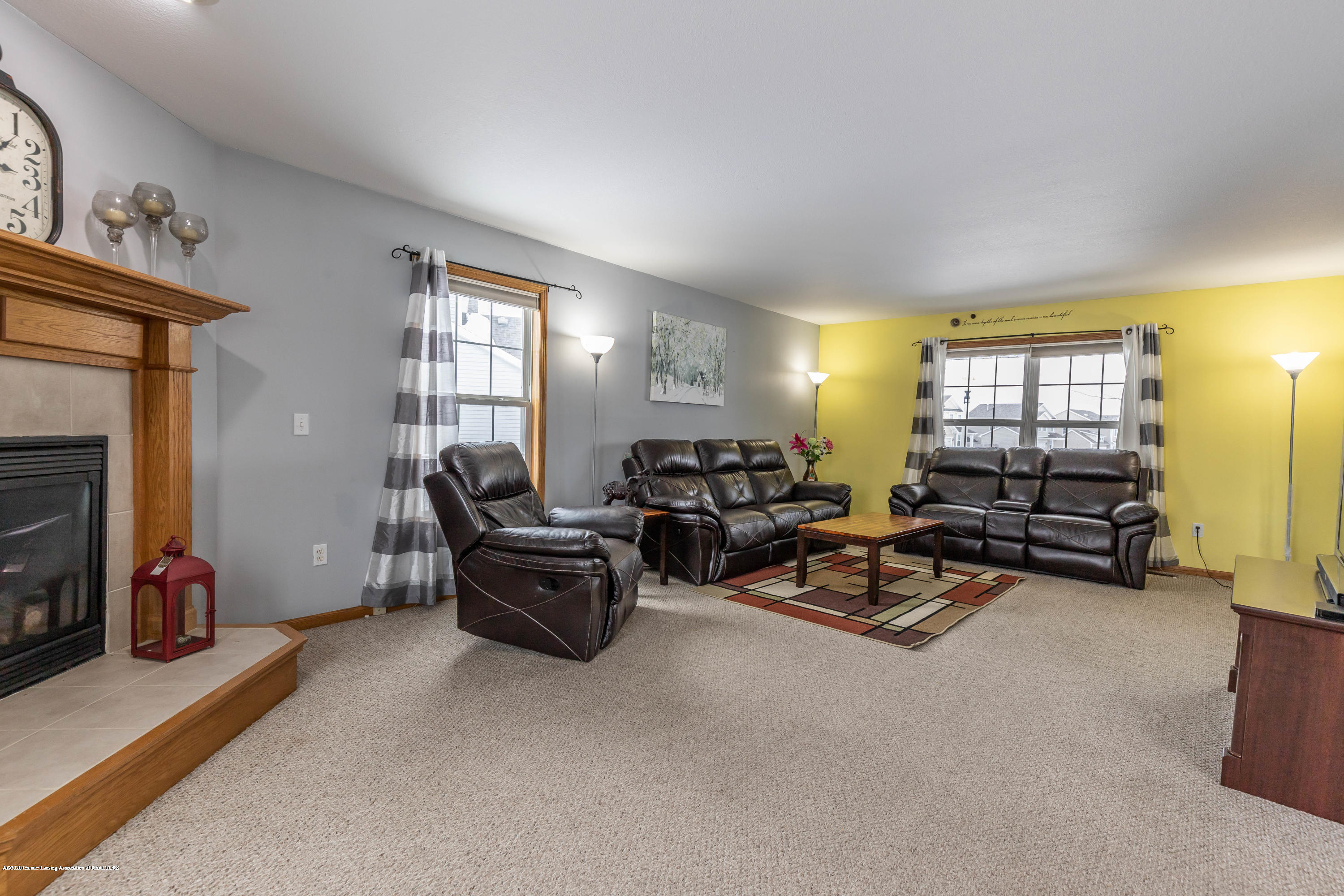 1806 Nightingale Dr - Living Room - 6
