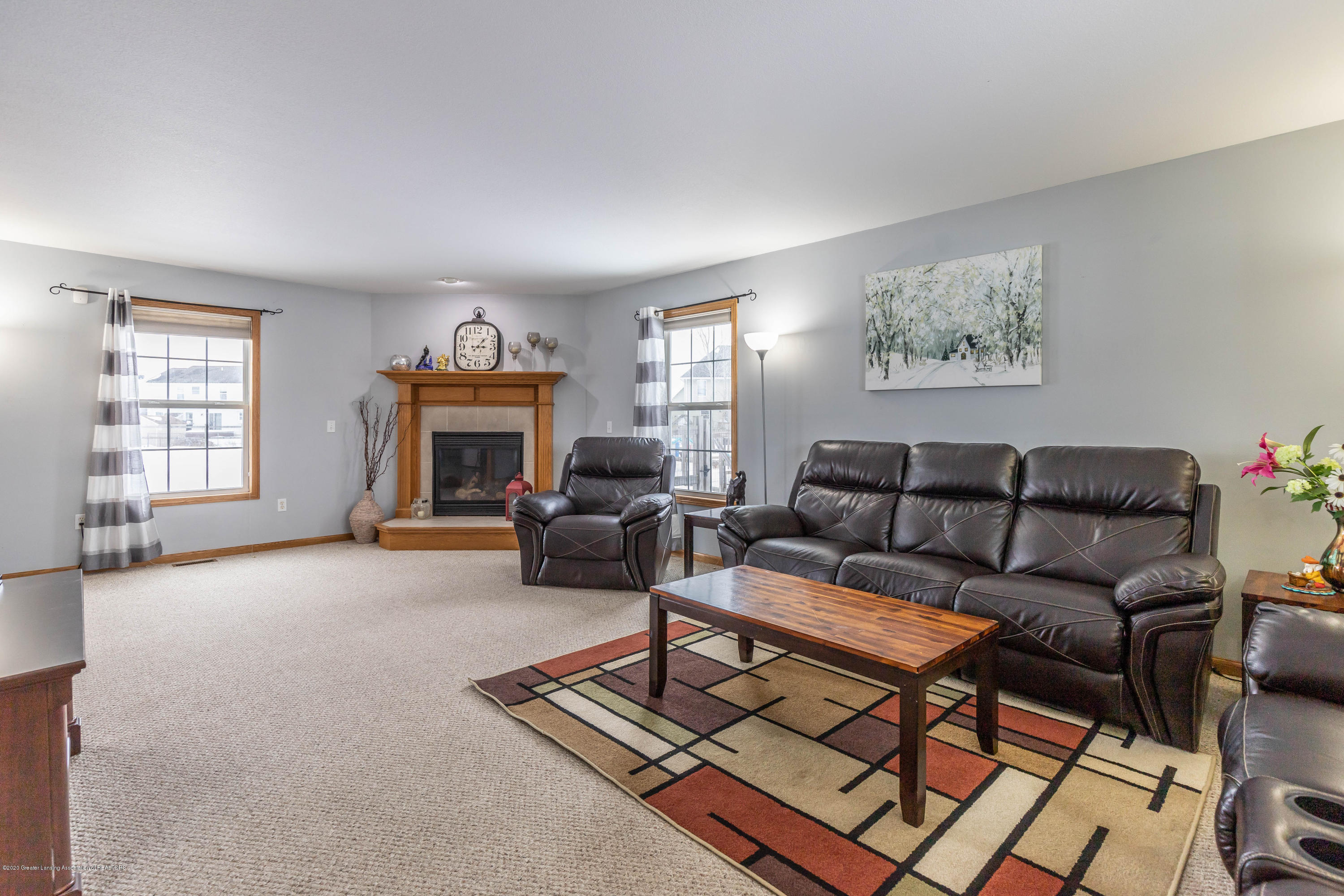 1806 Nightingale Dr - Living Room - 4