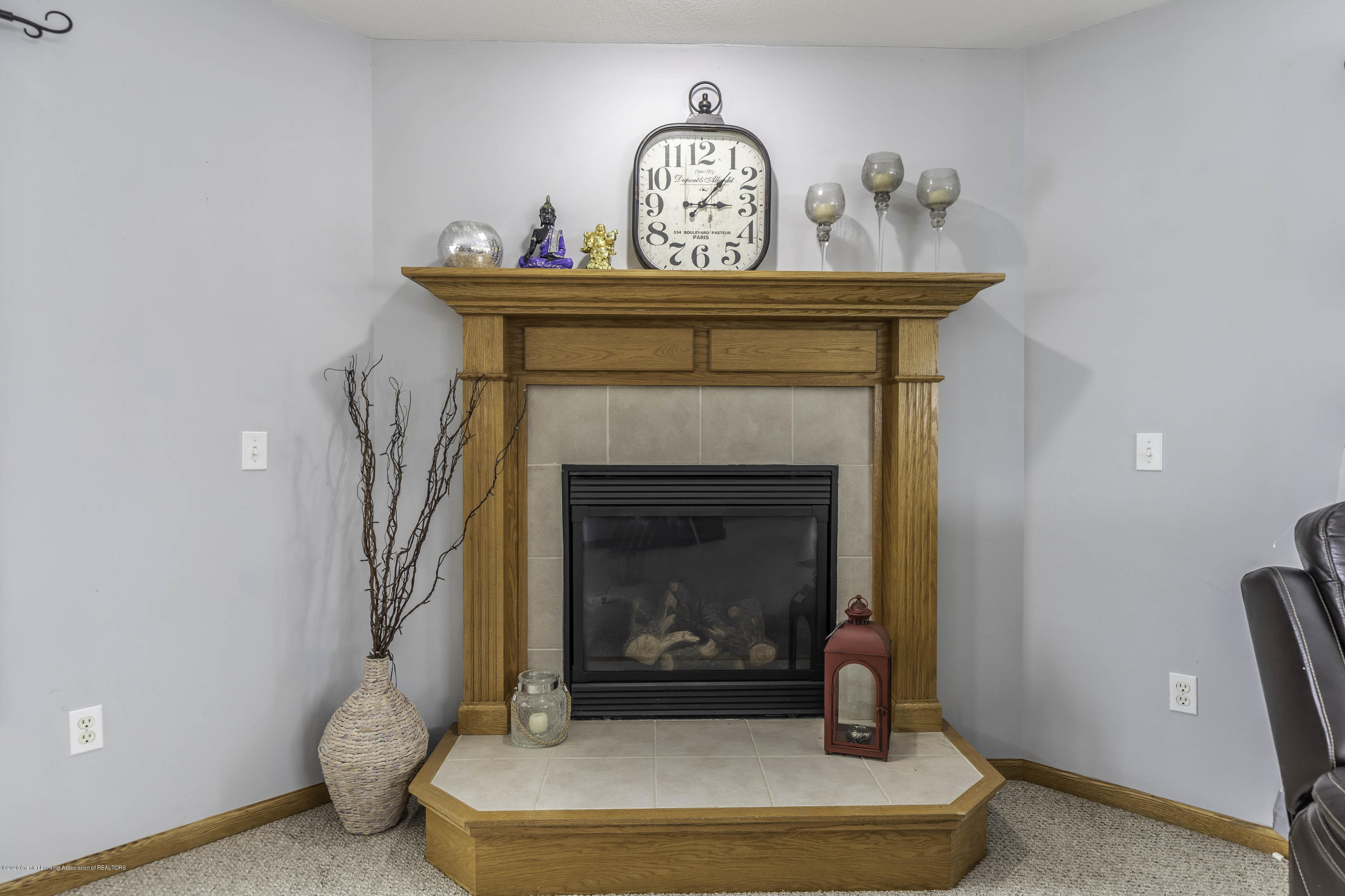 1806 Nightingale Dr - Gas Fireplace - 7