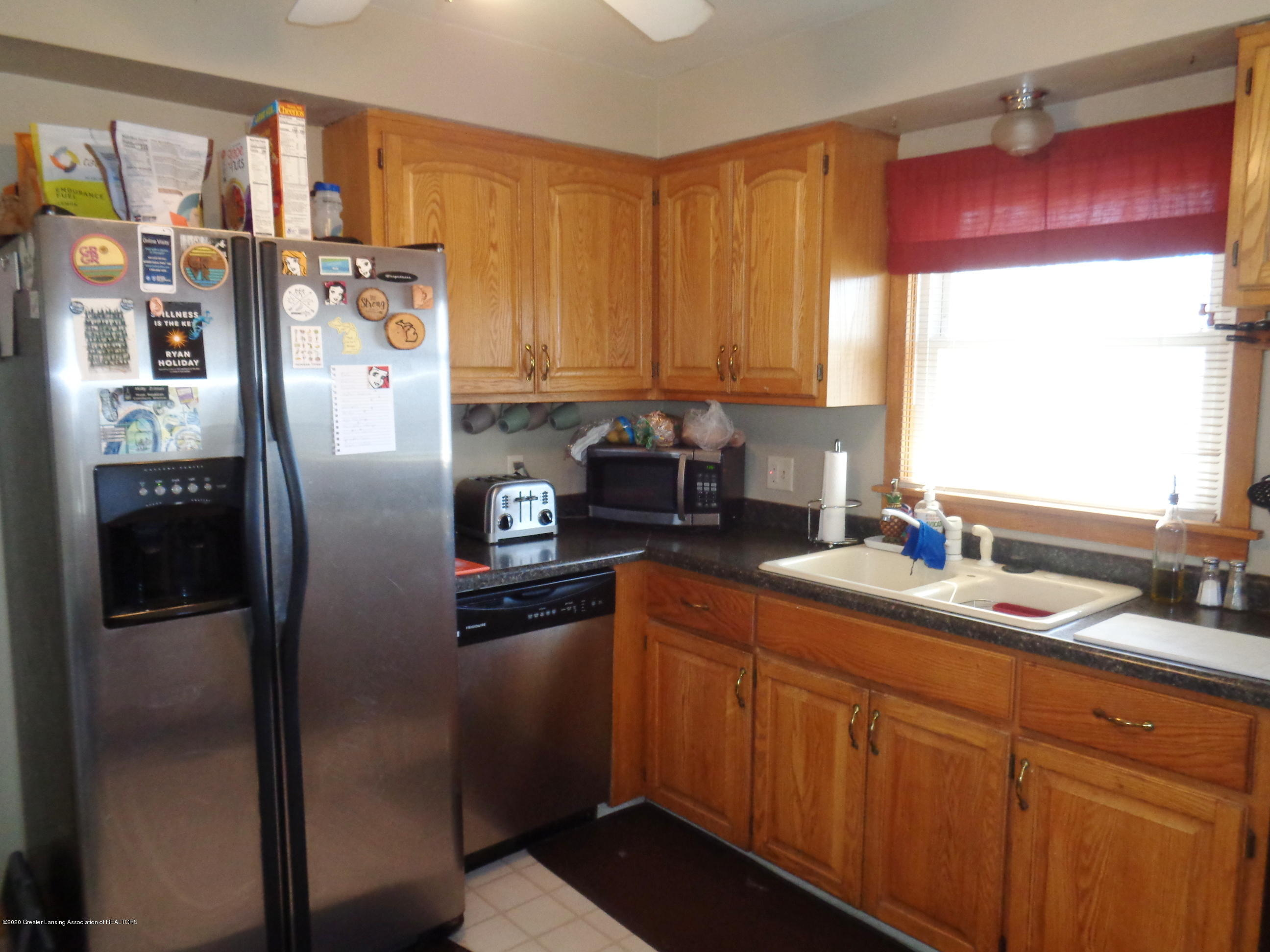1130 Tisdale Ave - tisdale kitchen - 4