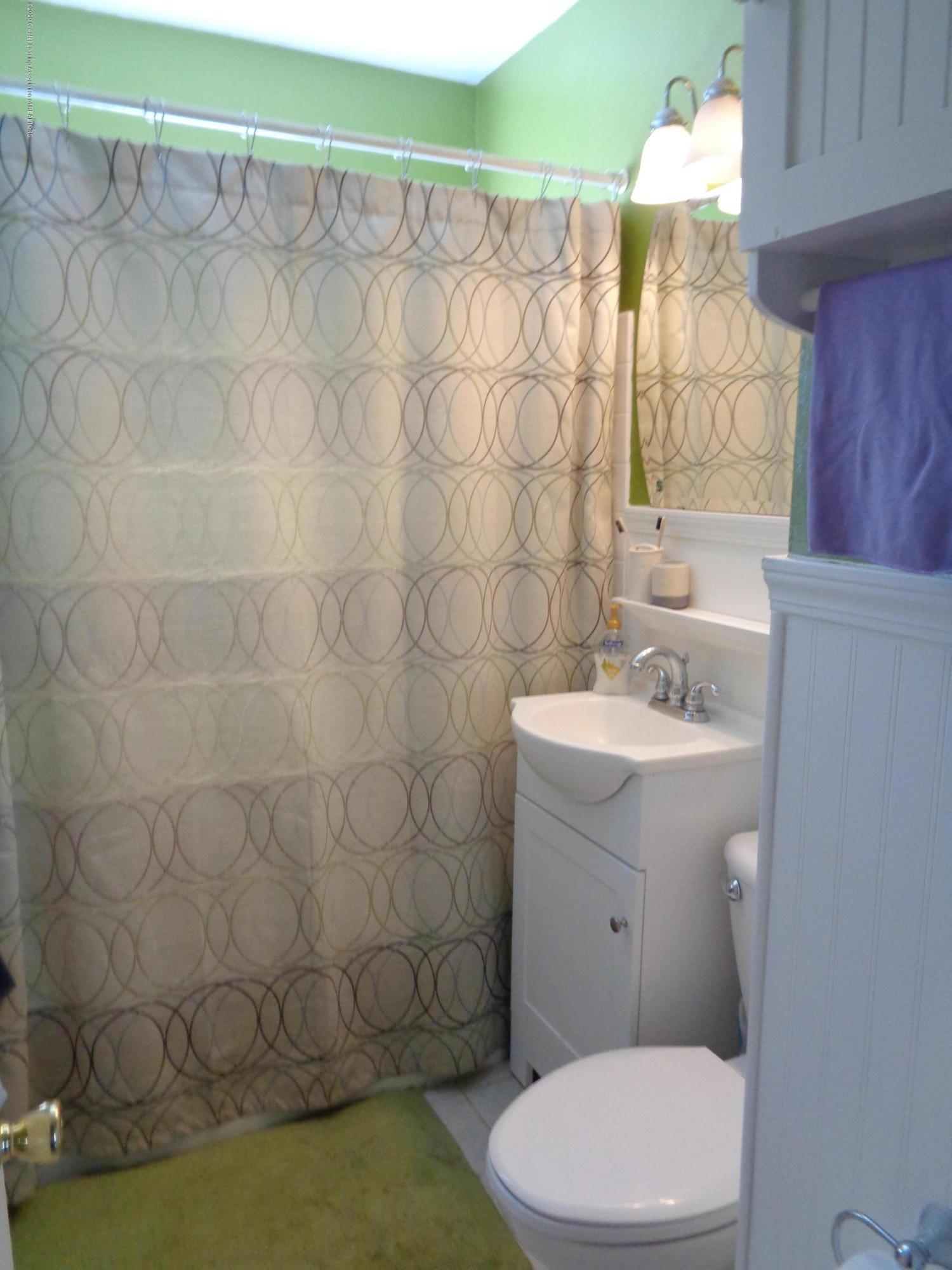 1130 Tisdale Ave - tisdale bath - 7