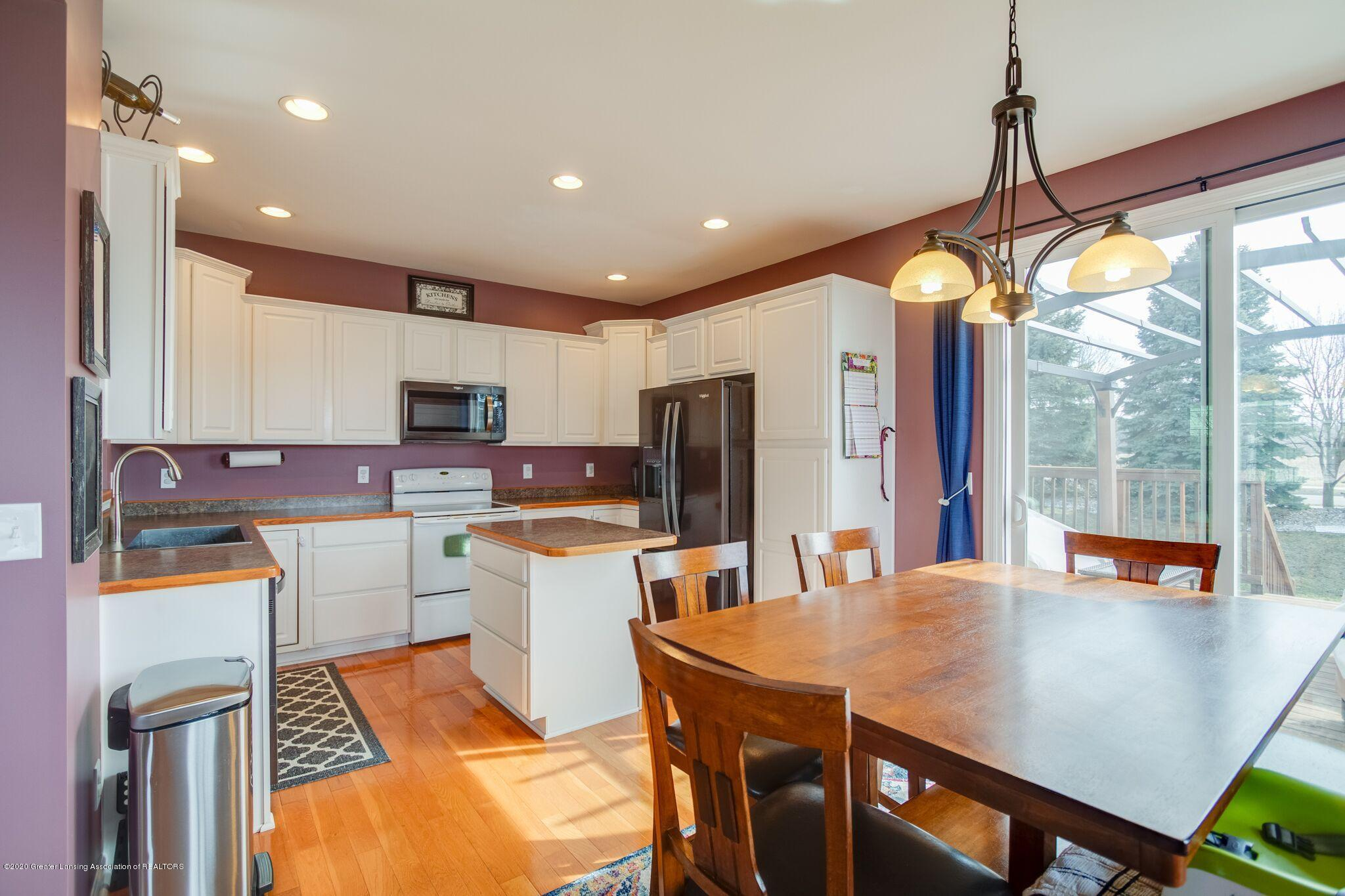 601 Anhinga Dr - Kitchen/Dining - 11