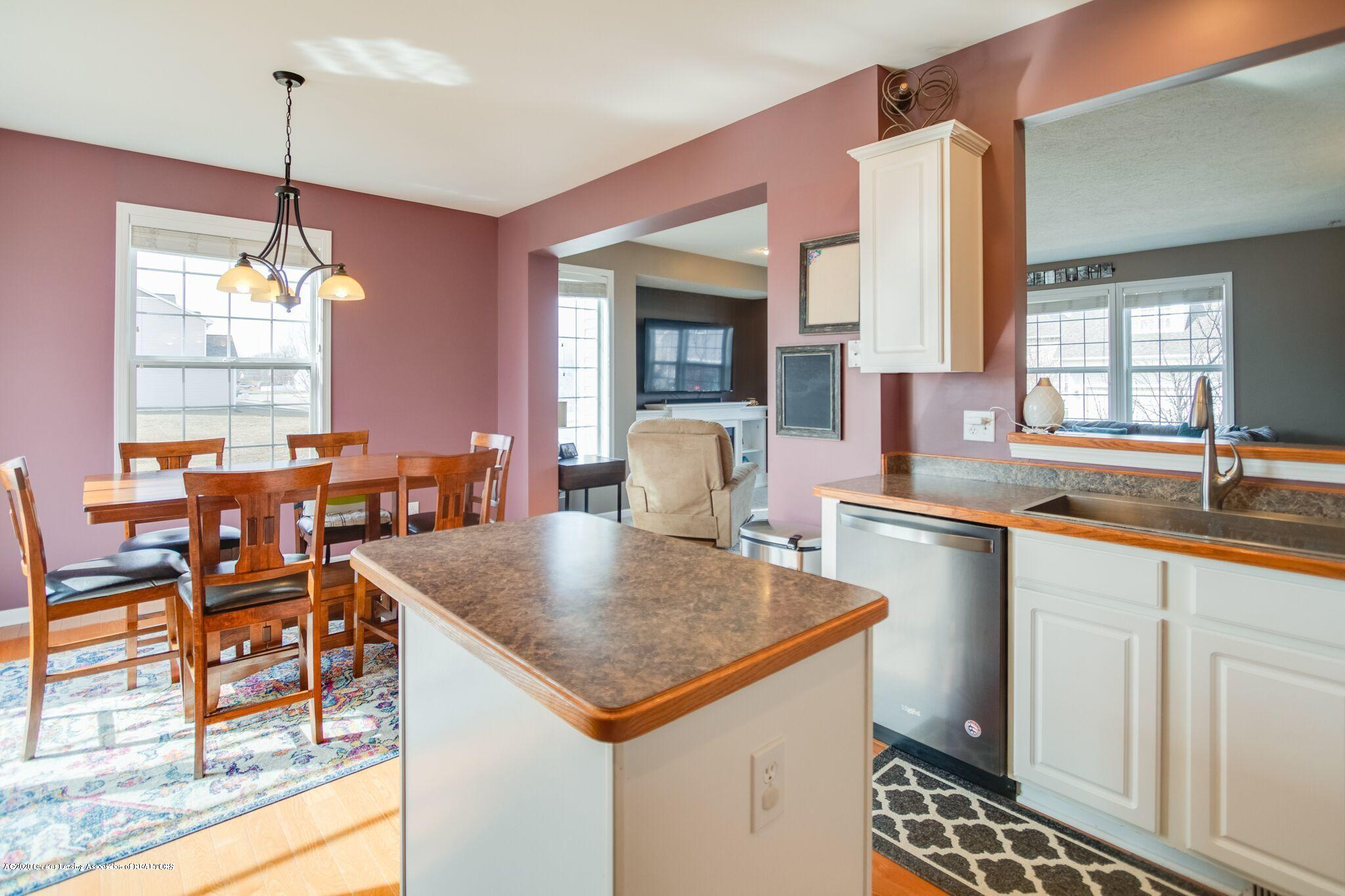 601 Anhinga Dr - Kitchen/Dining - 17