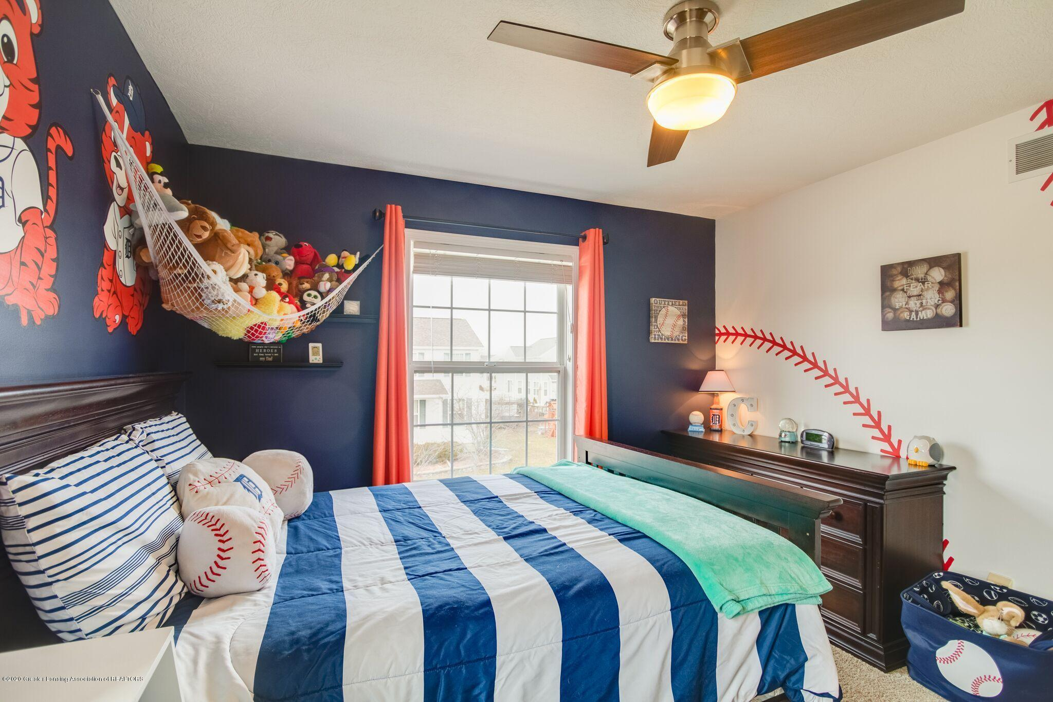 601 Anhinga Dr - Bedroom 2 - 33