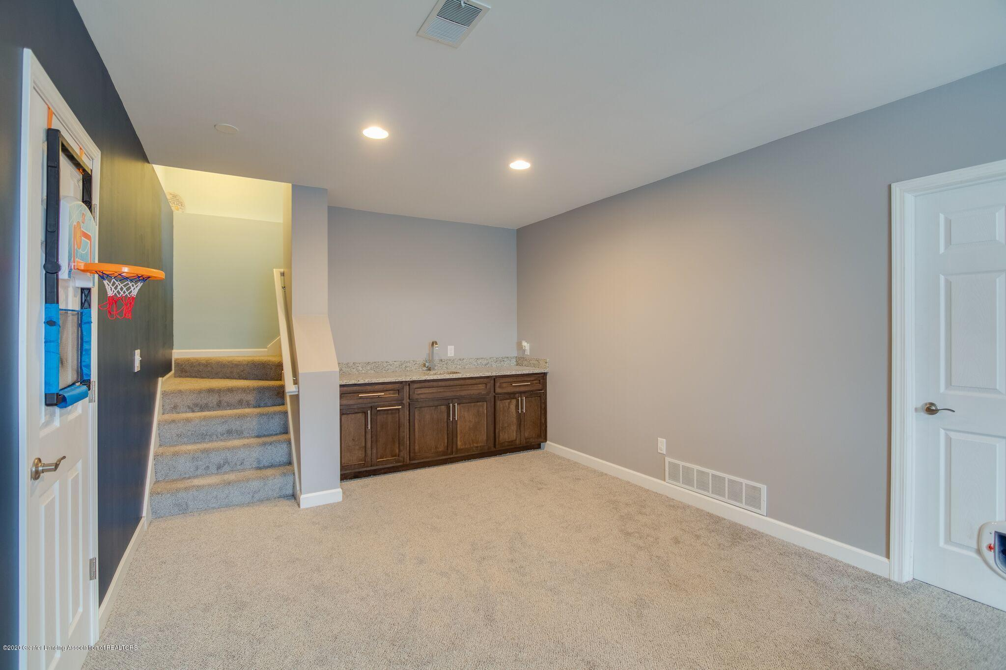 601 Anhinga Dr - Family Room - 39