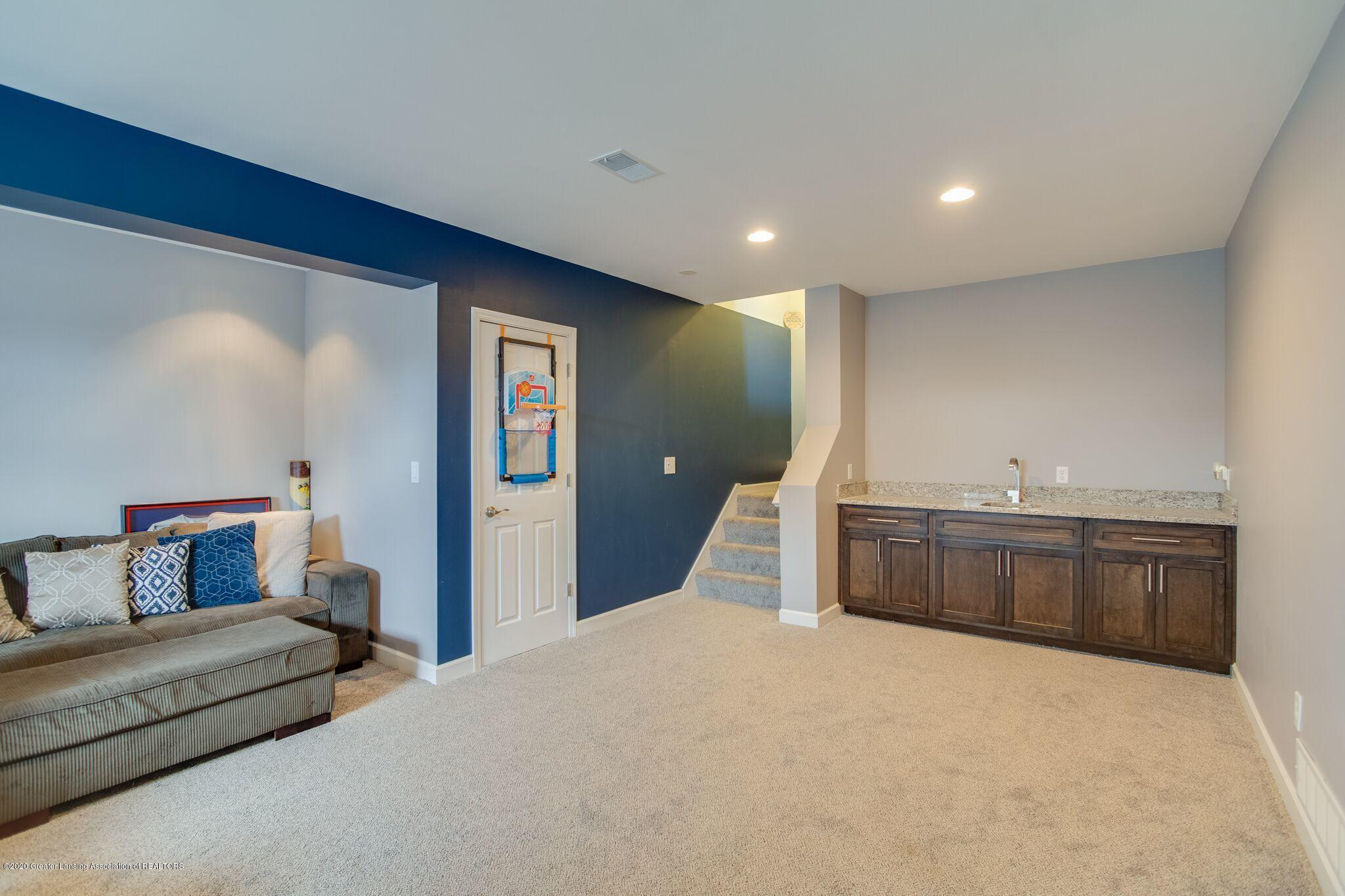 601 Anhinga Dr - Family Room - 42
