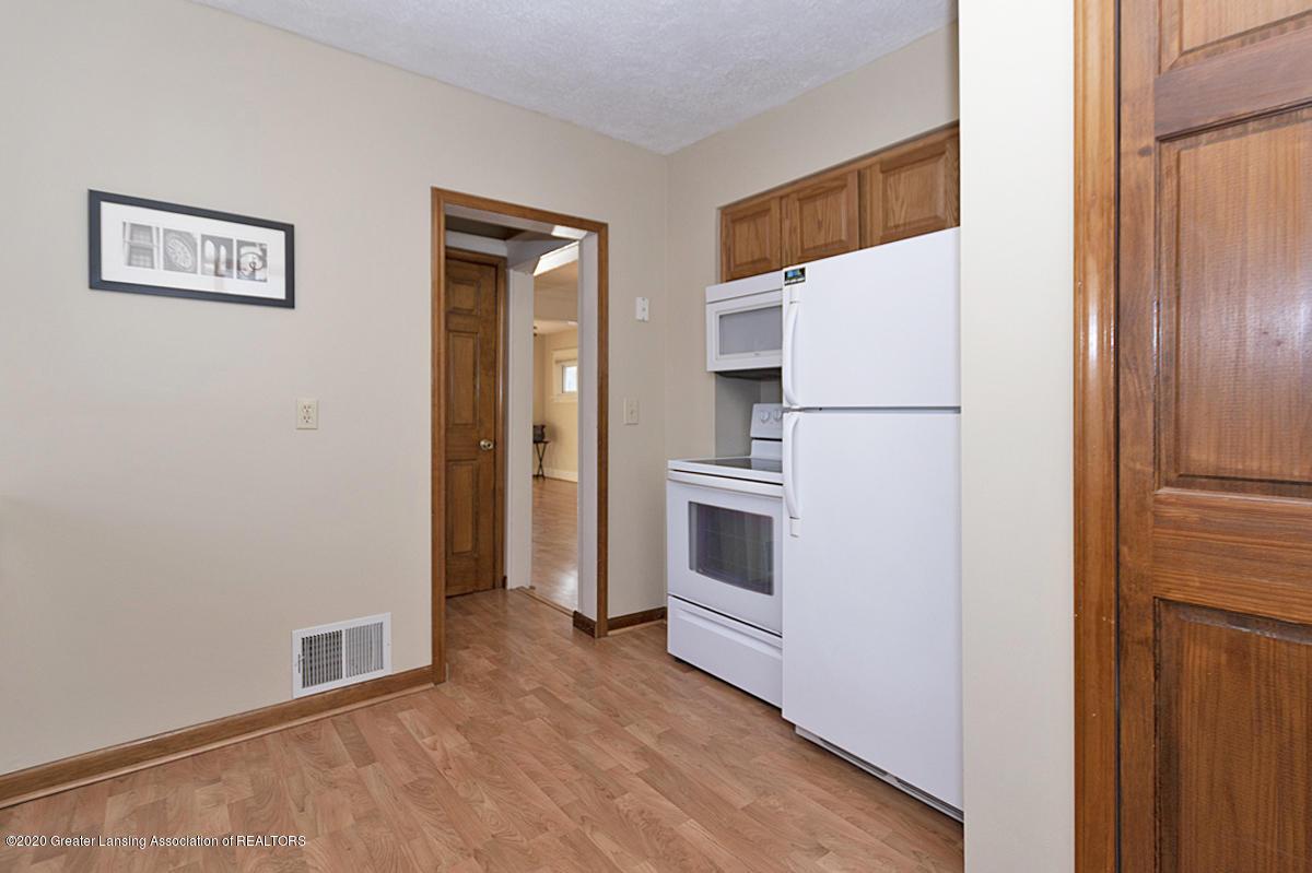 319 N Hayford Ave - Kitchen - 8