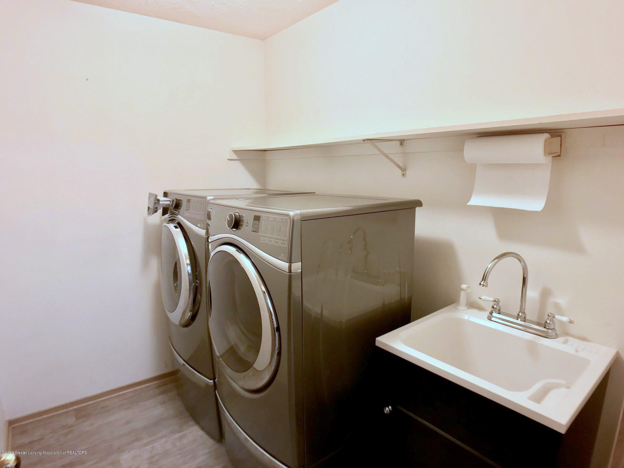 2563 Bruin Dr - Laundry Room - 24