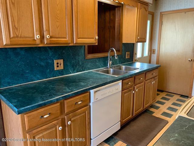 1487 S Warren Rd - Kitchen - 5