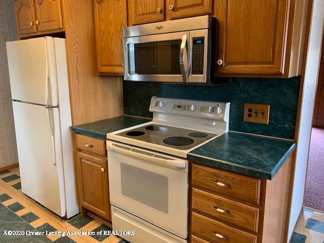 1487 S Warren Rd - Kitchen - 4