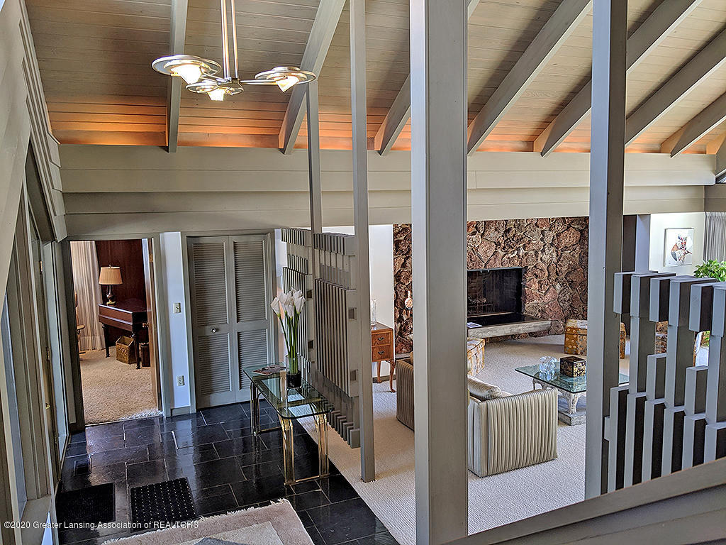 4567 Sequoia Trail - Two-story foyer - 4