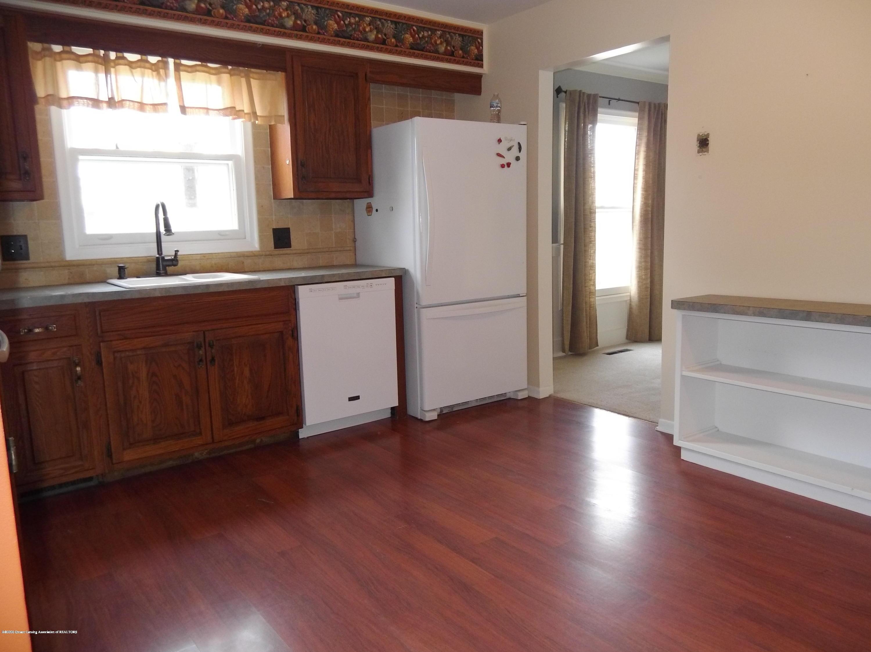 930 Meadowview Ln - Kitchen - 2