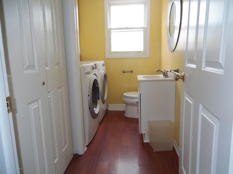 930 Meadowview Ln - Laundry - 8